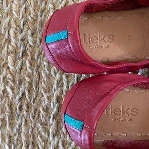 Tieks Shoes - Tieks Cardinal Red Flats Size 8